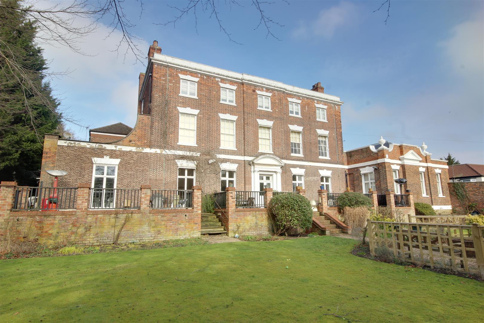 Apt 2 The Manor House, North Ferriby, Apt 2, HU14 3JR